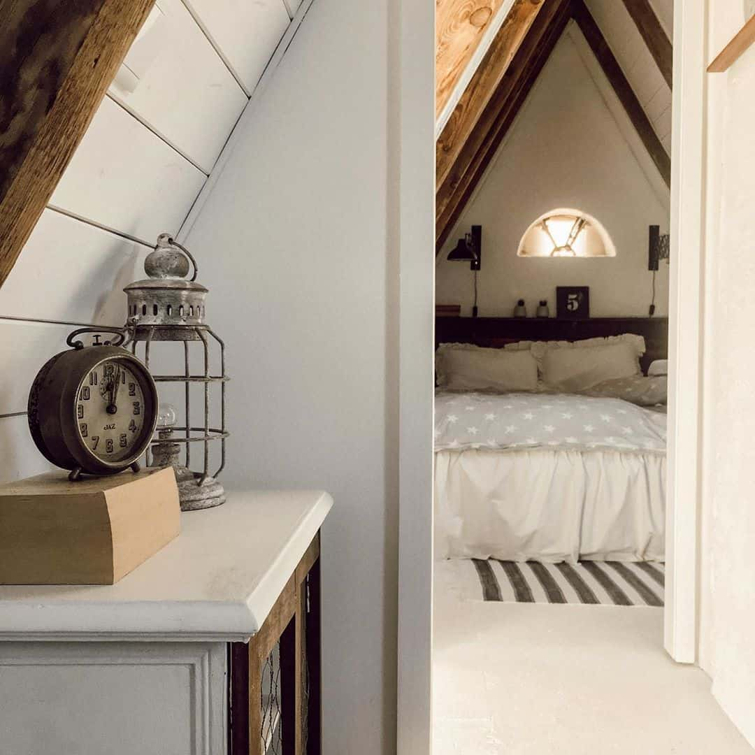 follow a theme for attic bedroom