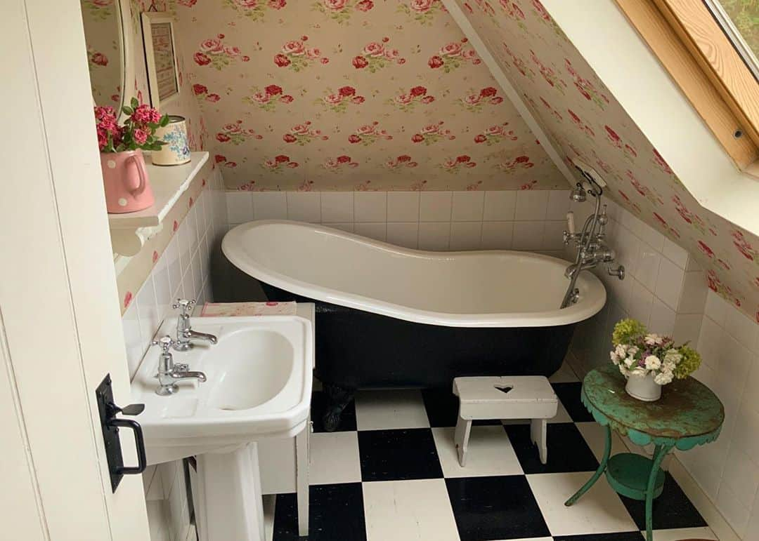 simple bathroom idea for sloped tiny attic